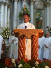 El Señor Cura de Purépero proclamó el Evangelio.