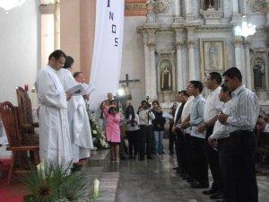 Juntos pidiendo ser aceptados al ministerio de nuestra madre la Iglesia