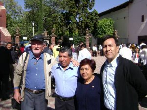 Con los Padres de Alejandro, Religioso Estudiante de Teología en Chicago.