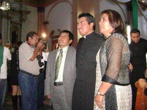 Marco Antonio con sus Padres.