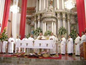 La Santa Misa se desarrolló normalmente en medio de la emoción de todos los presentes.