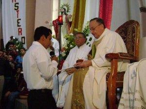 Juan Martín Cervantes Álvarez de Apatzingán, Mich. ha sido destinado como misionero estudiante de Teología a  Roma, Italia.