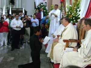 Los Novicios hacen publicamente la Profesión Religiosa de los Votos de Pobreza, Castidad y Obediencia.<br /> José Grimaldo Monjaraz de León, Gto. ha sido destinado como misionero estudiante de Teología a San Paulo, Brasil.<br /> <br /> <br /> <br /> <br />