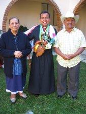 Hermilo con sus Padres.