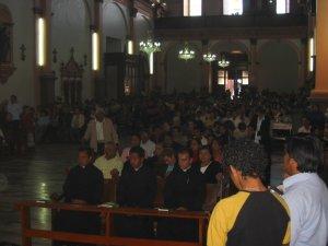 Además de los Familiares y Amigos de los Neoprofesos, mucha gente de Purépero nos acompañó.