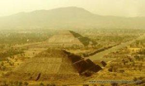 Teotihuacan a 30 minutos del DF, tiene mas de 2,300 años de existir !