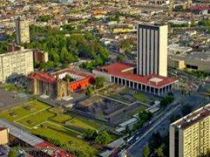 La Plaza de las Tres Culturas, tiene una historia que contar