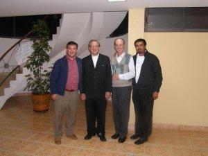 Los padres Fernando, Antonio y Ernesto tambien dieron la mas cordial bienvenida a nuestro huesped de honor