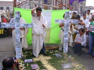 XI ESTACION - Jesús es crucificado - Casas Semilla - Seminario Ana Bautista Latinoamericano