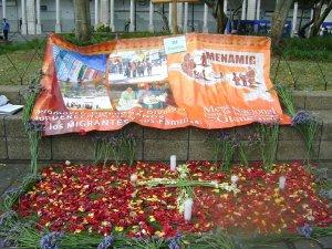 III ESTACION - Jesús cae por tercera vez - Mesa Nacional para las Migraciones en Guatemala - MENAMIG